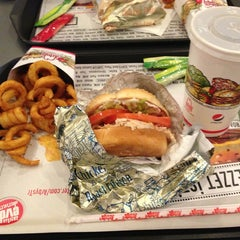 Photo taken at Arby's by Büşra G. on 2/28/2013
