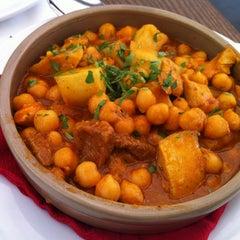 Photo taken at Restaurante Bandera by Oscar M. on 5/18/2013