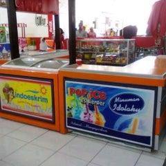 Photo taken at Sultan Keraton Mojopahit by Mey Wulan C. on 5/1/2013