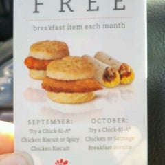 Photo taken at Chick-fil-A by Erica B. on 9/24/2012