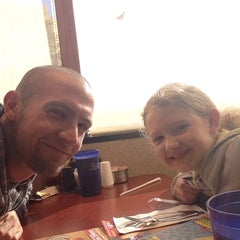 Photo taken at George Webb Restaurants by King G. on 10/26/2014