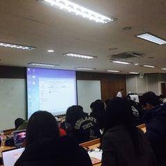 Photo taken at 서울대학교 치과대학 by Jee Eun P. on 3/1/2015