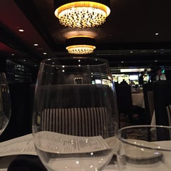 Photo taken at Morton's The Steakhouse by Mayil D. on 1/2/2015