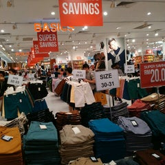 Photo taken at Brands Outlet by Hasyiemah R. on 9/21/2015
