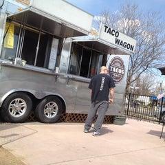 Photo taken at El Mercado Taco Wagon by Alan C. on 4/19/2014
