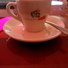 Photo taken at Presse Cafe Stavrou by Theodoros K. on 2/9/2014