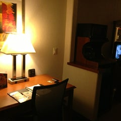 Photo taken at Comfort Suites by Stewy ®. 🕟-10 on 6/20/2013