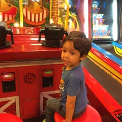 Photo taken at Peter Piper Pizza by Espe V. on 9/4/2014