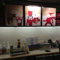 Das Foto wurde bei Starbucks von Christian P. am 12/23/2012 aufgenommen
