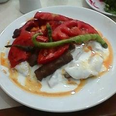 Photo taken at Ödemiş Köftecisi Ersin'in Yeri by Smyrna D. on 8/27/2015