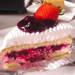 Photo taken at Parabola (พาราโบลา) by Onizugolf on 2/4/2013