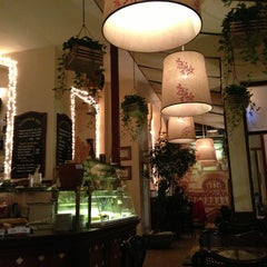 Photo taken at Paris Deli by Cuong_CVN on 12/20/2012