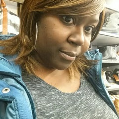 Photo taken at Old Navy by Candise J. on 11/13/2015