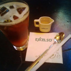 Photo taken at de`EXCELSO by Indra Fulan P. on 11/5/2015
