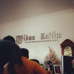 Photo taken at Tribun Kaltim by Agusto P. on 6/5/2014
