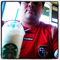 Photo taken at Starbucks by Billy P. on 5/31/2014