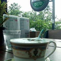 Photo taken at Black Canyon Coffee (แบล็คแคนยอนคอฟฟี่) by samart l. on 11/10/2013