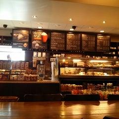 Photo taken at Starbucks by neoteotihuacan on 9/28/2013