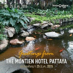 Photo taken at The Montien Hotel Pattaya (โรงแรมมณเฑียร พัทยา) by Naratip N. on 3/25/2015