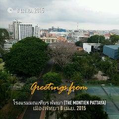 Photo taken at The Montien Hotel Pattaya (โรงแรมมณเฑียร พัทยา) by Naratip N. on 4/8/2015