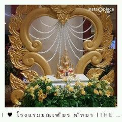 Photo taken at The Montien Hotel Pattaya by Naratip N. on 4/12/2015