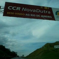 Photo taken at Divisa RJ x SP by Tatiana M. on 10/24/2012