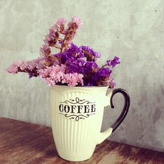 Photo taken at Boy's Organic Coffee Shop by Marina S. on 5/19/2013