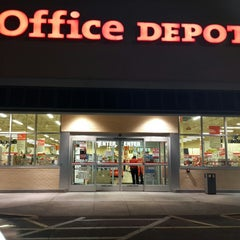 Photo taken at Office Depot by Bobby B. on 11/26/2013