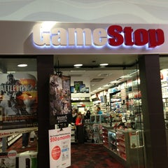 Photo taken at GameStop by Pablo M. on 4/8/2013