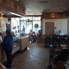 Photo taken at The Coffee Bean & Tea Leaf® by Toby L. on 9/20/2012