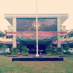 Photo taken at Universitas Jenderal Achmad Yani (UNJANI) by Cahya S. on 8/20/2014