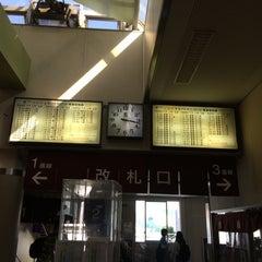 Photo taken at しなの鉄道 上田駅 by 賢一 植. on 5/26/2015