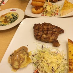 Photo taken at Jeffer Steak (เจฟเฟอร์) by Nicha on 3/8/2015