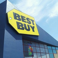 Photo taken at Best Buy by Brigette on 5/4/2014