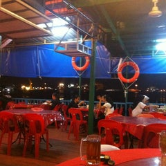 Photo taken at Deepsea Seafood Restaurant by Mezoul on 2/17/2013