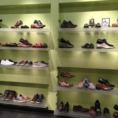 Photo taken at Steve Madden by Ian C. on 2/28/2013