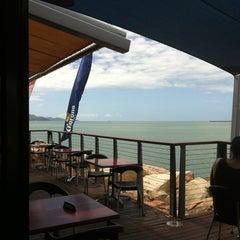 Photo taken at Longboard Bar & Grill by Warren C. on 3/31/2013