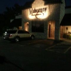 Photo taken at Mahogany Prime Steakhouse by Márcio F. on 11/1/2012