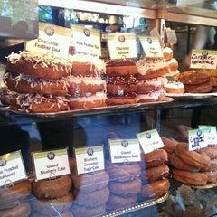 Photo taken at Top Pot Doughnuts by Ryan S. on 10/5/2013