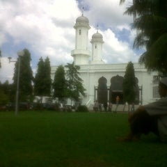Photo taken at Masjid Raya Baiturrahman by Elas P. on 12/14/2012