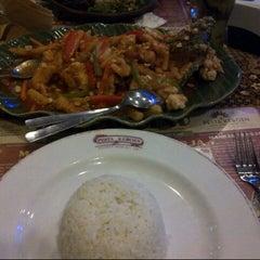 Photo taken at Pesta Keboen Restoran by aga k. on 8/20/2014