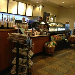 Photo taken at Starbucks by Victor C. on 6/16/2013