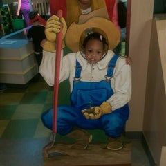 Photo taken at Children's Museum of Virginia by Tee W. on 2/14/2015