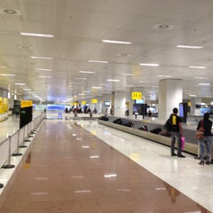 Photo taken at Aeroporto Internacional de São Paulo / Guarulhos (GRU) by Sergiao M. on 9/5/2015