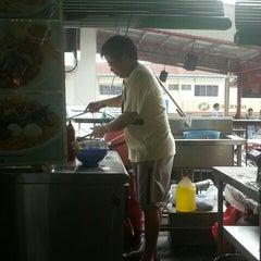 Photo taken at Restoran Mayiang Jaya by Ernest T. on 8/2/2015