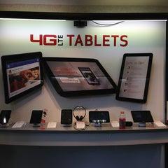Photo taken at Verizon by @AstoriaHaiku on 12/22/2012