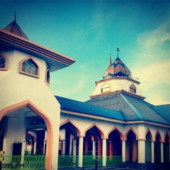 Photo taken at Masjid Nurul Iman Serendah by Aliya N. on 1/6/2013