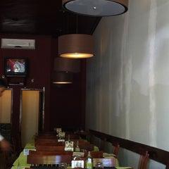 Photo taken at Restaurante Pizzaria e Chopperia Makey by Rubens G. on 9/15/2011