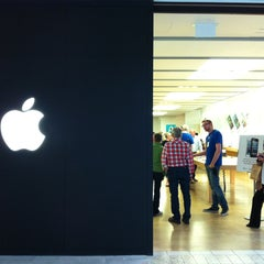 Photo taken at Apple Store, Cherry Creek by Evgeno O. on 5/4/2013