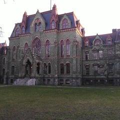 Photo taken at University of Pennsylvania by Vladimir G. on 12/15/2012